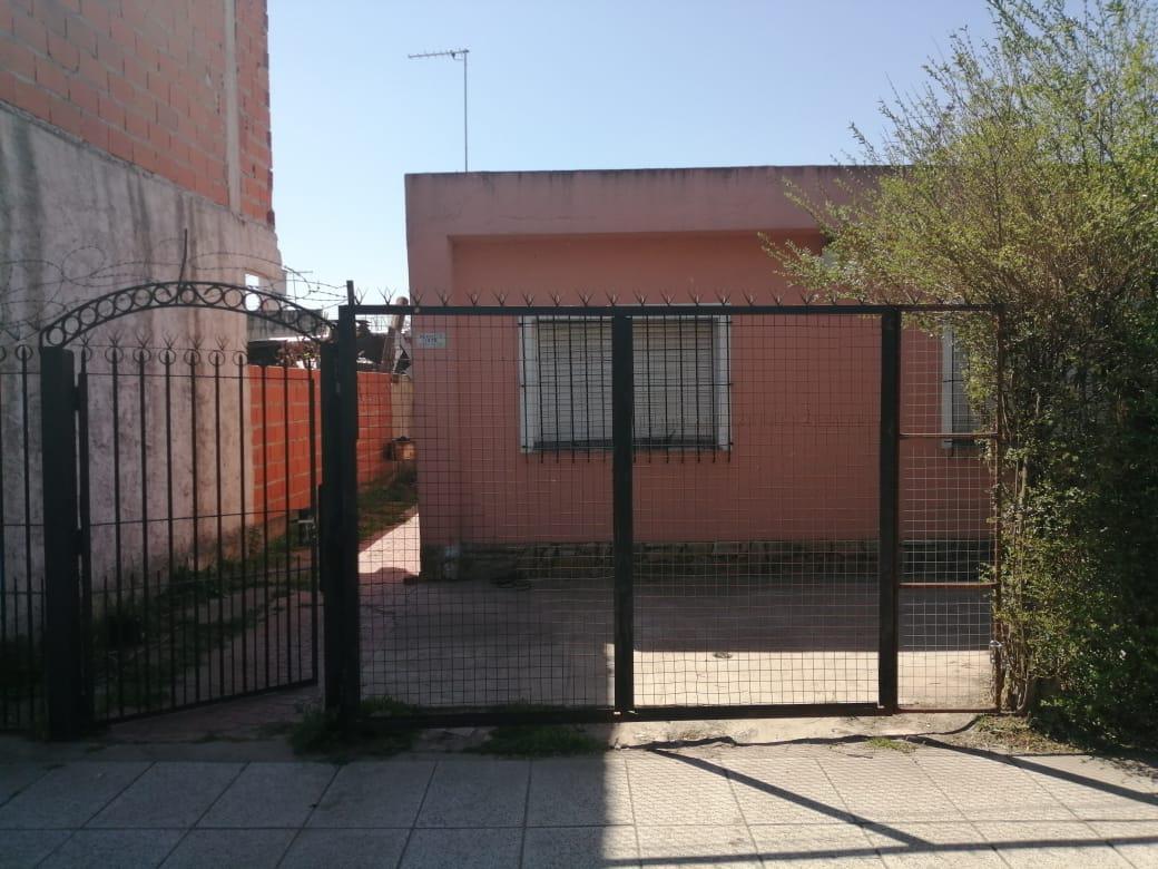 Foto Casa en Venta en  Jose Clemente Paz ,  G.B.A. Zona Norte  Mansilla al 1300