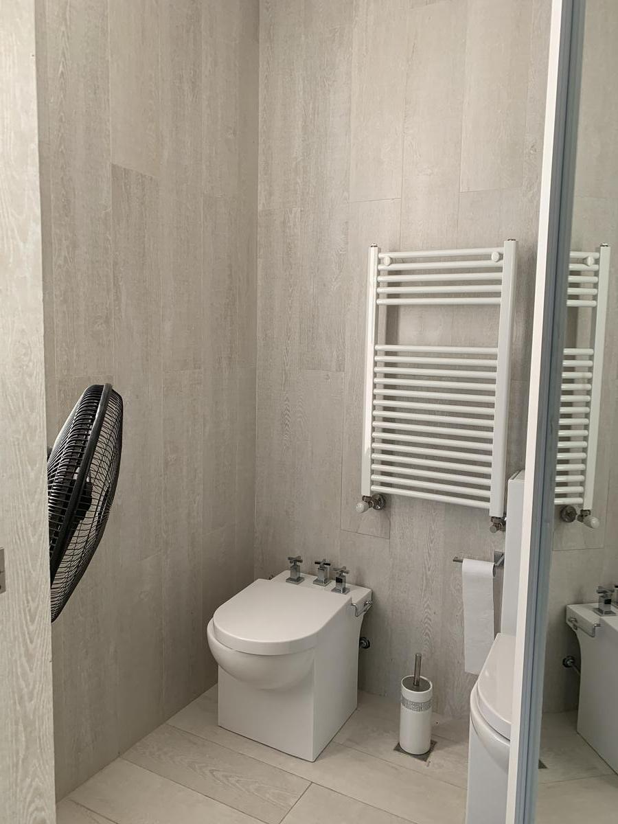 Foto Casa en Alquiler en  Los Lagos,  Nordelta  Los Lagos , Nordelta. Casa de 5 dormitorios en suite, amueblada