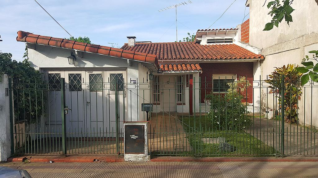 Foto Casa en Venta en  Ensenada ,  G.B.A. Zona Sur  Bossinga N° 223