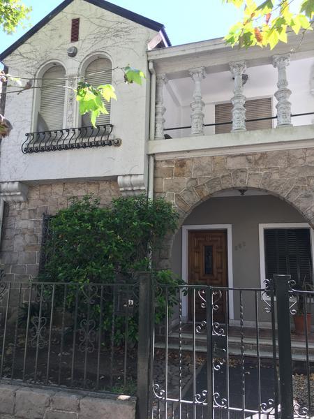 Foto Casa en Venta en  Lomas de Zamora Oeste,  Lomas De Zamora  meeks al 800