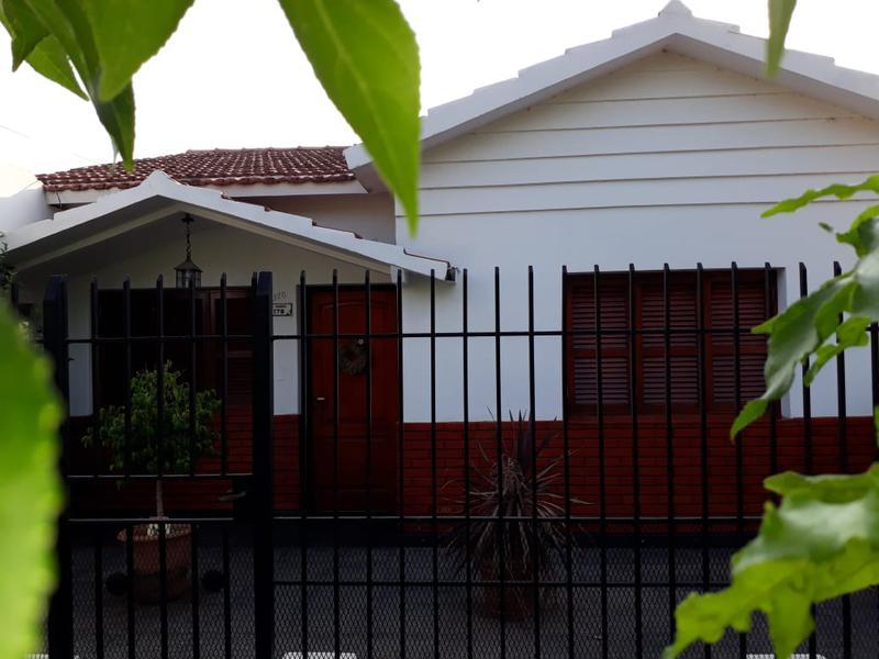Foto Casa en Venta en  Pueblo Nuevo,  Lujan  Tropero Moreira Nº 176