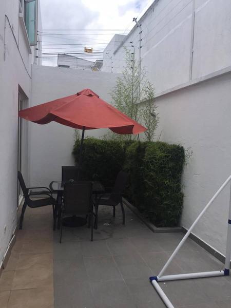 Foto Casa en Venta en  Cumbayá,  Quito  CUMBAYÁ, SECTOR COLEGIO MENOR