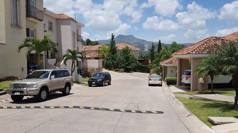 Foto Casa en condominio en Venta en  Lomas del Guijarro,  Tegucigalpa  Casa en Circuito Cerrado, Lomas del Guijarro Sur, Tegucigalpa