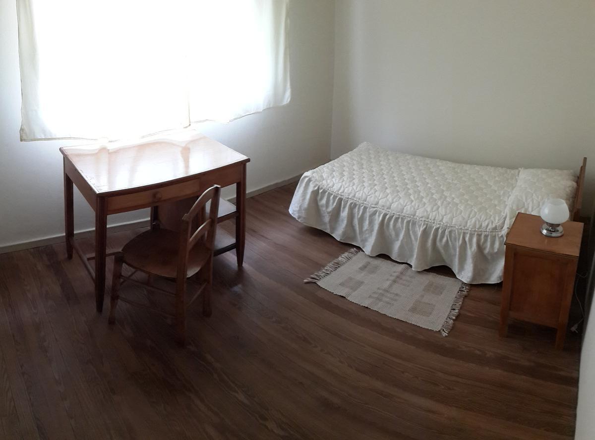 Foto Departamento en Alquiler temporario en  Santa Fe,  La Capital  Habitaciones SOLO PARA MUJERES con desayuno incluido ($ por noche) - Pensionado San Jose WOMEN ONLY
