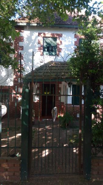 Foto Casa en Venta en  Quilmes,  Quilmes  Pringles 200