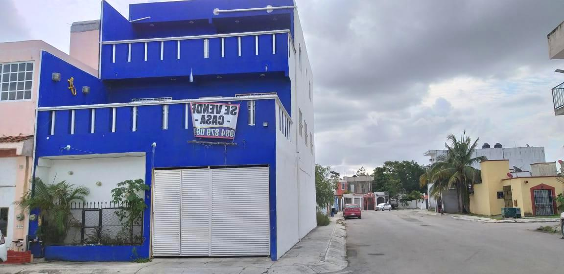 Foto Casa en Venta en  Misión del Carmen,  Solidaridad  CASA DE 5 REC. UBICADA CERCA DE LA PLAYA