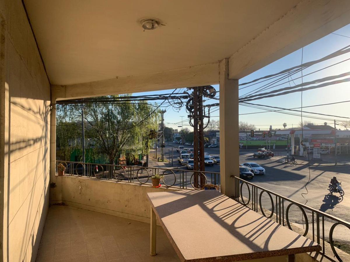 Foto Casa en Alquiler en  Tiro Suizo,  Rosario  Ovidio Lagos al 5100