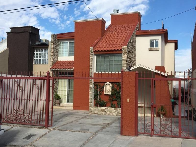 Foto Casa en Renta en  Fraccionamiento Universidad Residencial,  Chihuahua  Renta Residencial Universidad