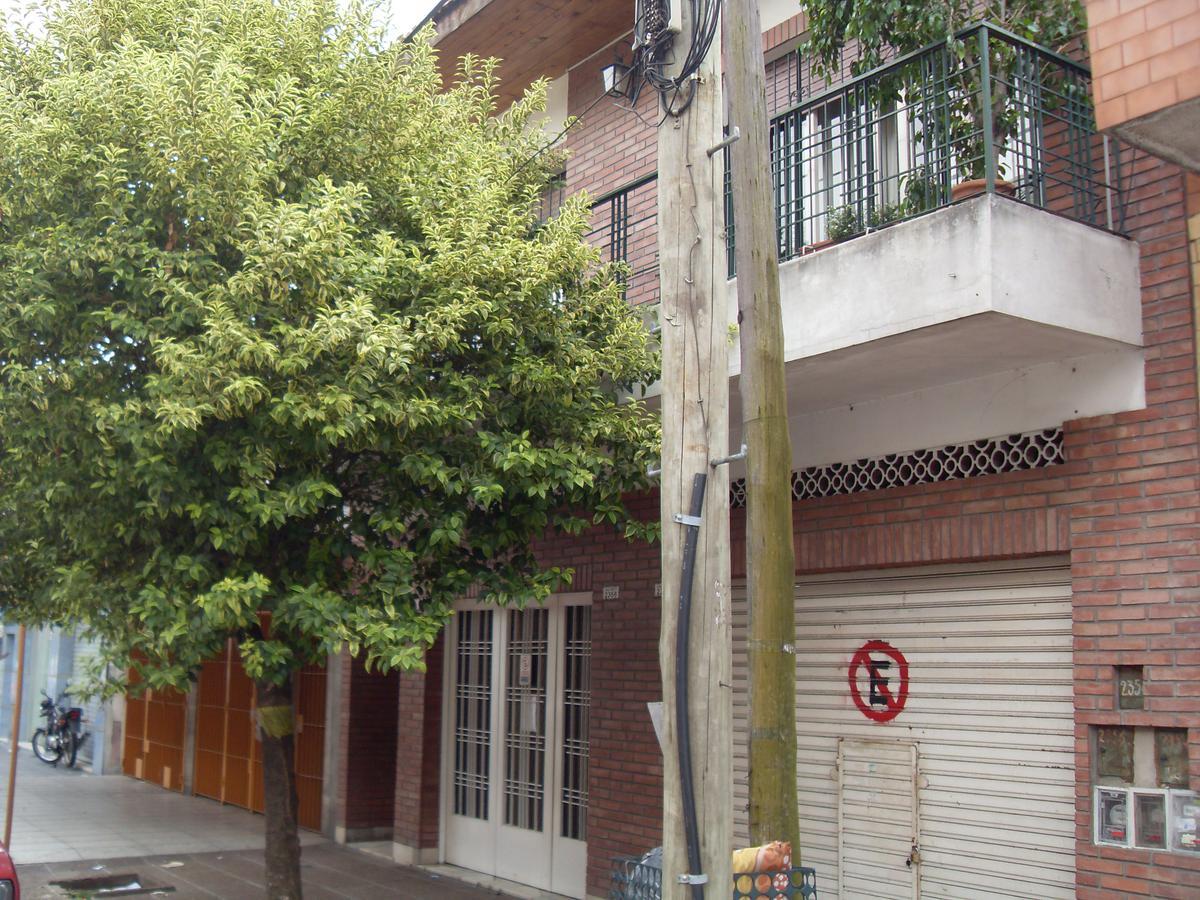 Foto PH en Venta en  Villa Celina,  Ciudad Madero  PINTO 2.356 - entre B. Pazos y Chilavert
