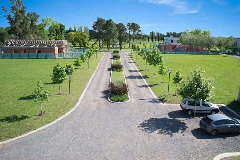 Foto Terreno en Venta en  Los Hornos,  La Plata  Fincas de Dugan 137 Esquina 90