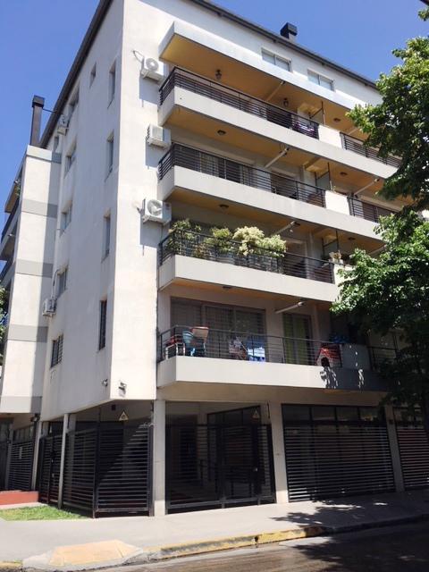 Foto Departamento en Alquiler en  Vicente López ,  G.B.A. Zona Norte  Aristobulo del Valle al 1400