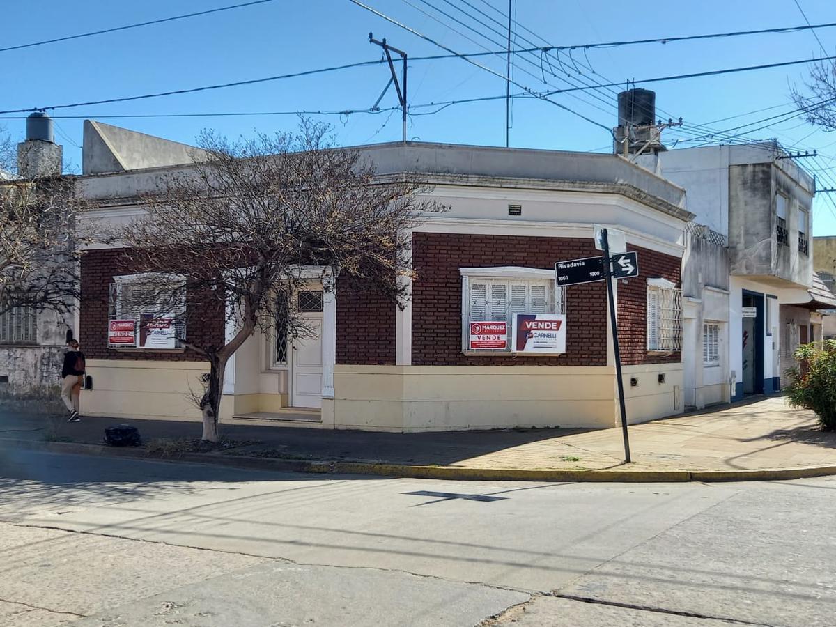 Foto Casa en Venta en  Junin ,  Interior Buenos Aires  Rivadavia n° 1003