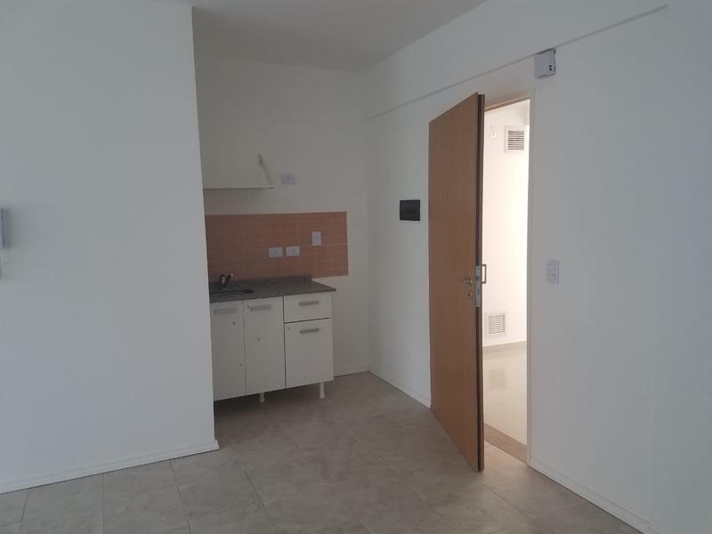 Foto Departamento en Alquiler en  Monserrat,  Centro (Capital Federal)  Luis Saenz Peña al 900
