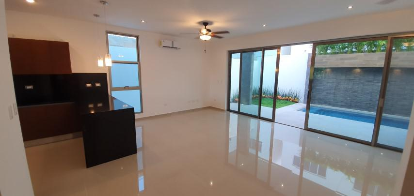Foto Casa en Venta en  Aqua,  Cancún  Residencial Aqua. Hermosa Casa para Estrenar en Venta con Alberca  de 4 recámaras. Fase II. Supermanzana 330  Cancún. Quintana Roo