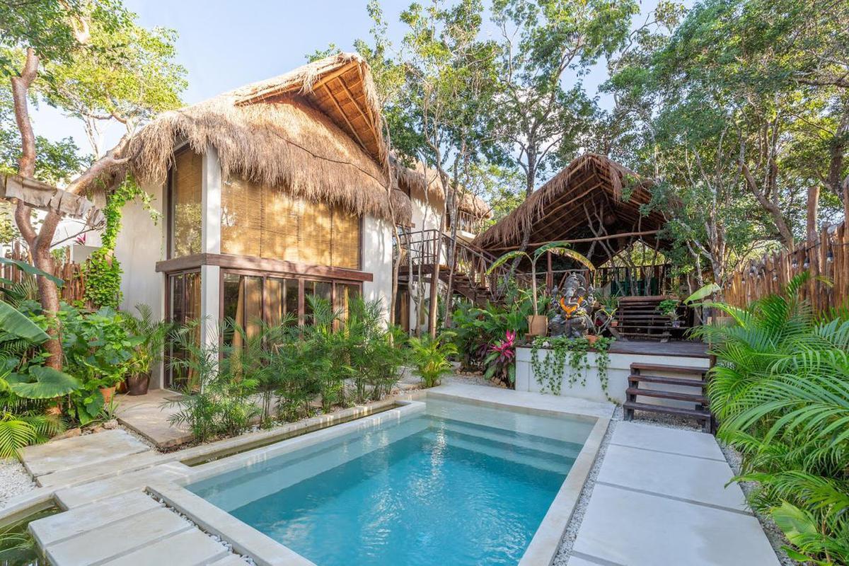 Foto Casa en Venta en  La Veleta,  Tulum  Increible oportunidad, 3 Casas independiente, perfecta inversion
