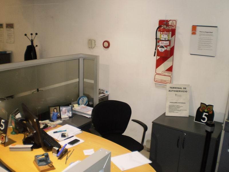 Foto Local en Venta | Alquiler en  Avellaneda,  Avellaneda  Av. Mitre 423
