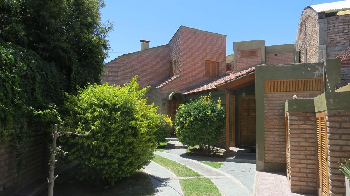 Foto Casa en Alquiler en  Rivadavia ,  San Juan  Sebastián Cabot al 300