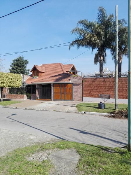 Foto Casa en Venta en  Temperley Este,  Temperley  Estevez Correa 1021