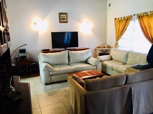 Foto Casa en Venta en  Castelar Norte,  Castelar  Munilla al 2100