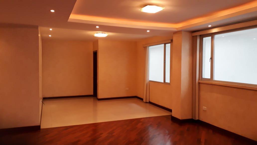Foto Departamento en Alquiler en  Centro de Quito,  Quito  Calle Tamayo, La Floresta