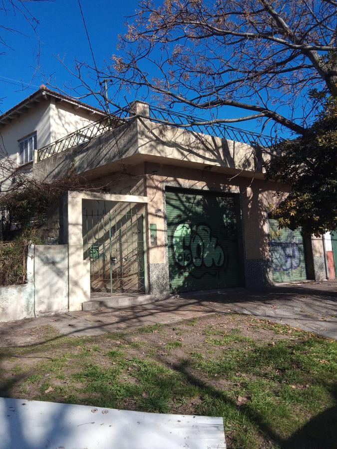 Foto Casa en Venta en  Bernal Este,  Quilmes  LOMAS DE ZAMORA 145 BERNAL