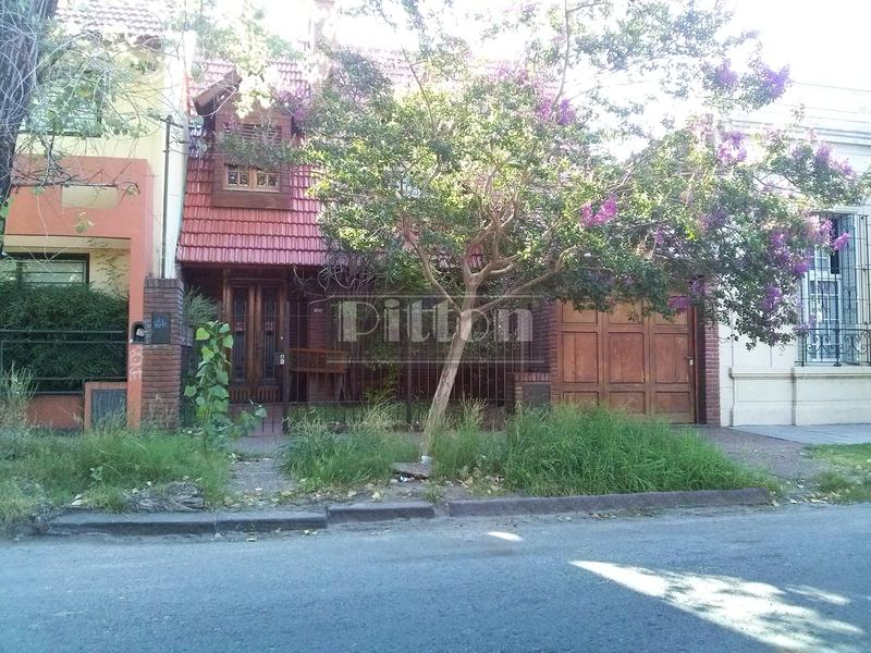 Foto Casa en Alquiler en  Banfield Este,  Banfield  Belgrano 1226