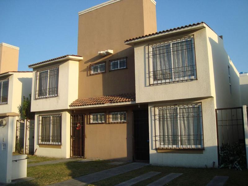 Foto Casa en condominio en Renta en  San Mateo Otzacatipan,  Toluca  CASA EN RENTA EN LAS MISIONES ZONA AEROPUERTO