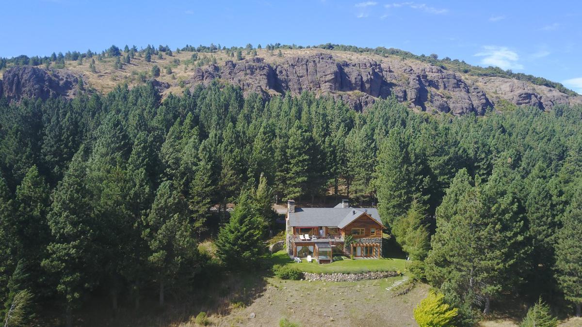Foto Casa en Venta en  San Martin De Los Andes,  Lacar  Chapelco Golf