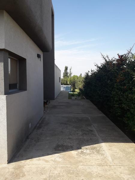 Foto Casa en Venta en  La Plata ,  G.B.A. Zona Sur  137 entre 504 y 508