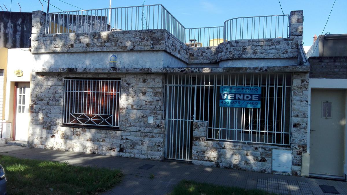 Foto Casa en Venta en  Belgrano,  Rosario  PERU al 1300