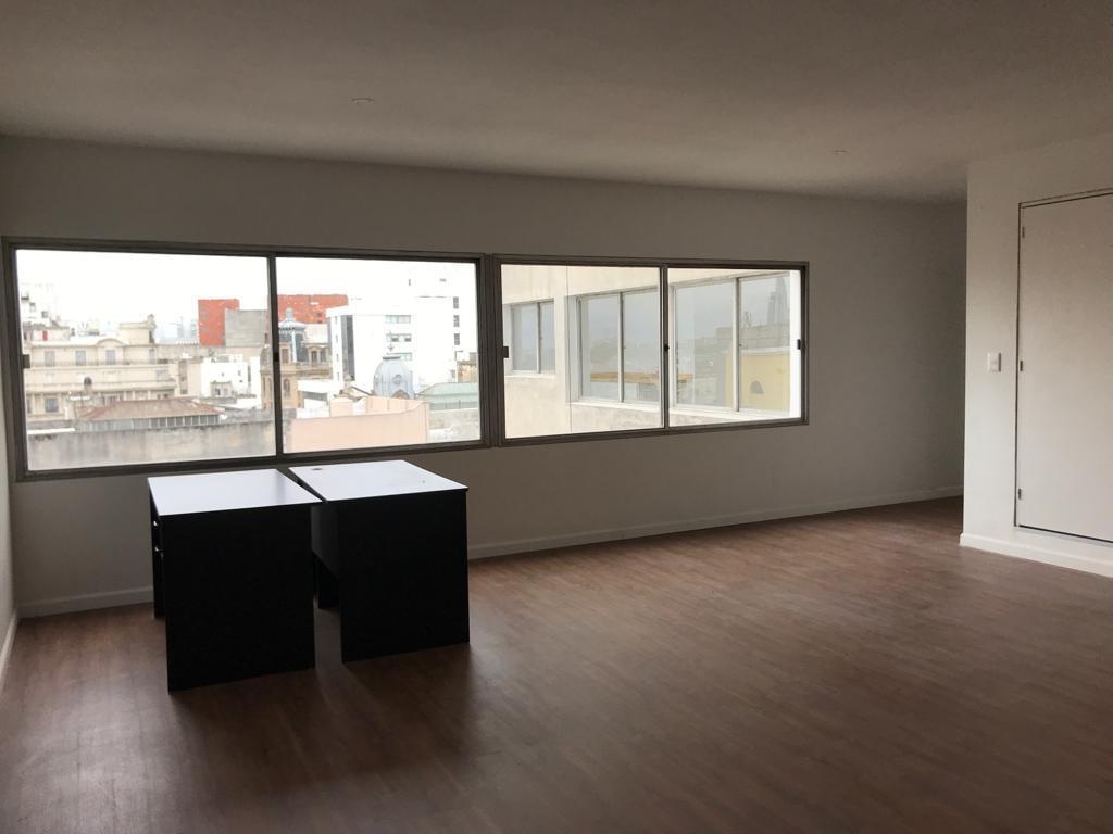 Foto Oficina en Alquiler en  Ciudad Vieja ,  Montevideo  Oficina 45m2 a nuevo