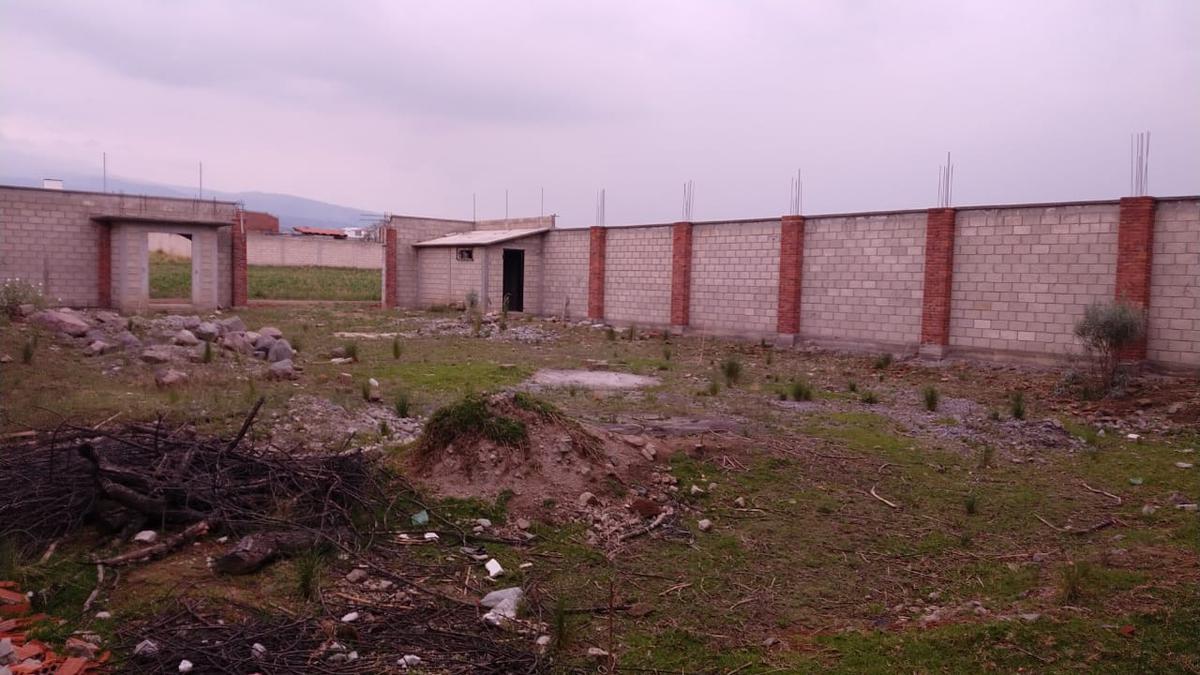 Foto Terreno en Venta en  Toluca ,  Edo. de México  TERRENO DISPONIBLE PARA VENTA EN CAPULTITLAN
