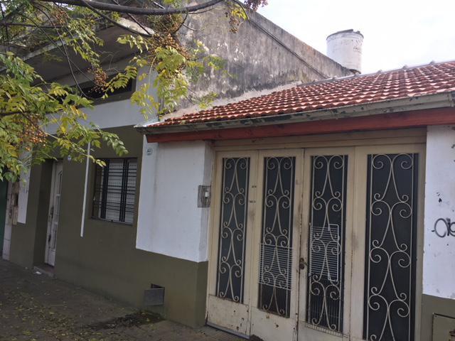 Foto Casa en Venta en  Lomas de Zamora Oeste,  Lomas De Zamora  Loria al 1400