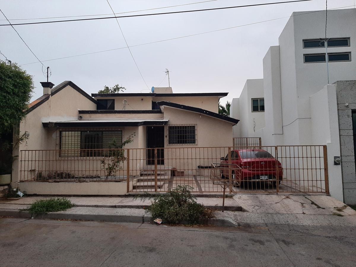 Foto Casa en Venta en  Benito Juárez,  Culiacán  CASA DE 5 REC EN VENTA CERCA DEL ISSSTE