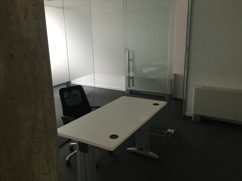 Foto Oficina en Venta | Alquiler en  Ciudad Vieja ,  Montevideo  Oficina en Torre 58 I 25 de Mayo Esquina Treinta y Tres