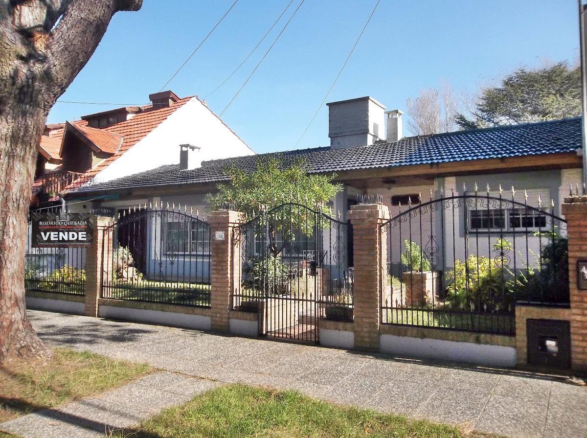 Foto Casa en Venta en  San Bernardo Del Tuyu ,  Costa Atlantica  Excelente casa en San Bernardo!