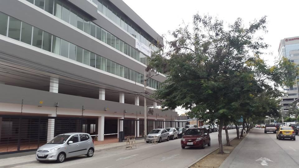 Foto Edificio Comercial en Venta en  Norte de Guayaquil,  Guayaquil  Kennedy Norte, Corredor Comercial edificio Inteligente vendo oficina de estreno 103  m2