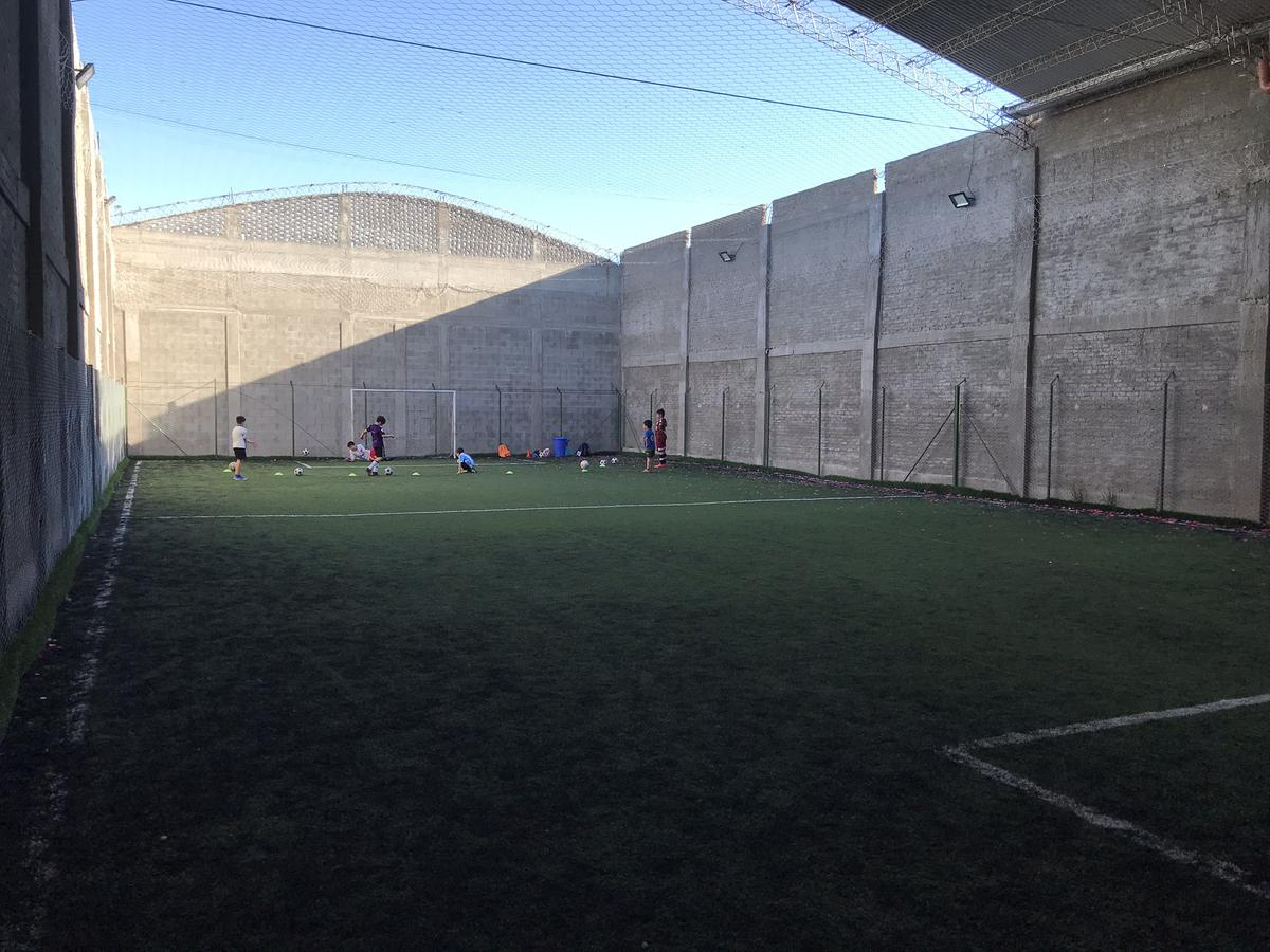 Foto Galpón en Alquiler en  Bernal,  Quilmes  Av. Zapiola 1234  entre Victorica y Gral. Alvarez