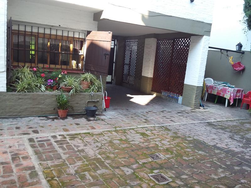 Foto Casa en Venta en  Lomas de Zamora Este,  Lomas De Zamora  Avda. Alsina al 1400