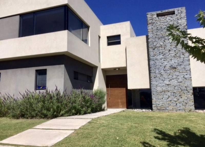 Foto Casa en Alquiler en  Los Alisos,  Nordelta  alisos al 100