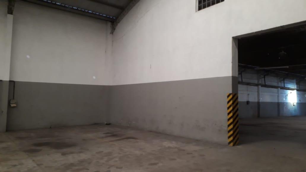 Foto Galpón en Venta en  La Plata,  La Plata  530 proximo a 120
