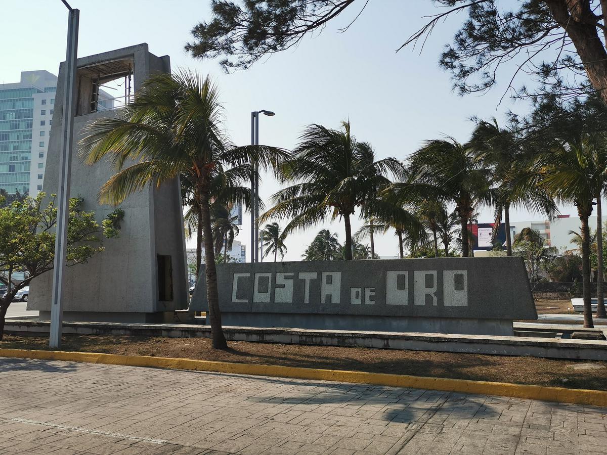 Foto Terreno en Venta |  en  Fraccionamiento Costa de Oro,  Boca del Río  boca del rio