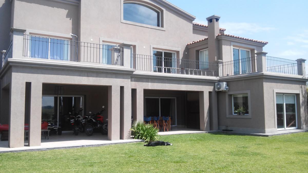 Foto Casa en Venta en  Santa Catalina,  Villanueva  Barrio Santa Catalina Sector 3