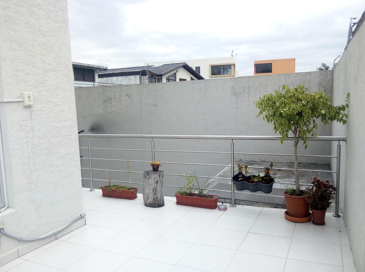 Foto Departamento en Alquiler en  Cumbayá,  Quito  Cumbayá - La Primavera