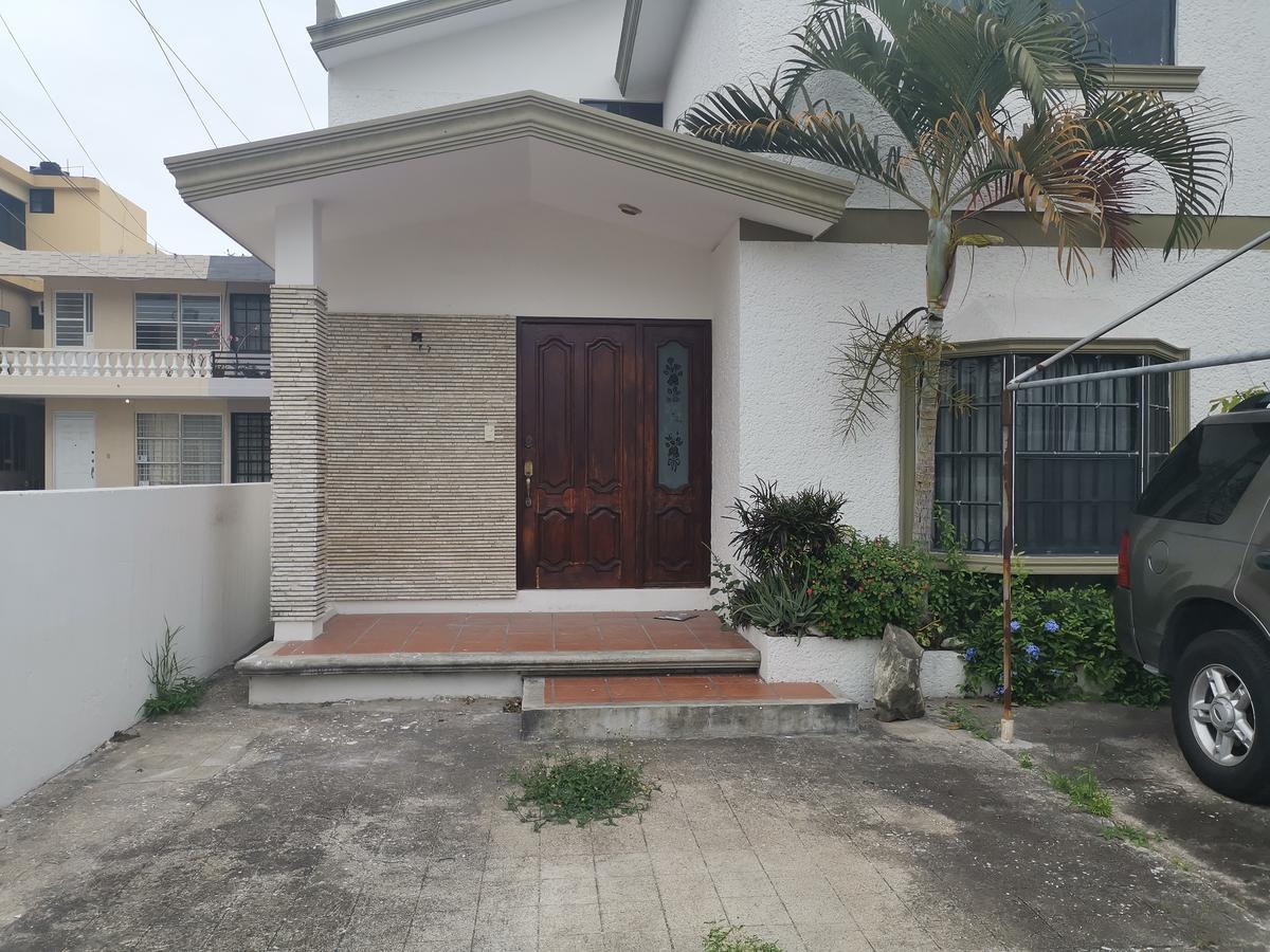 Foto Casa en Venta en  Fraccionamiento Loma de Rosales,  Tampico          (XVSCV1902)  Casa en Venta Fracc. Loma de Rosales en Tampico. $2,550,000