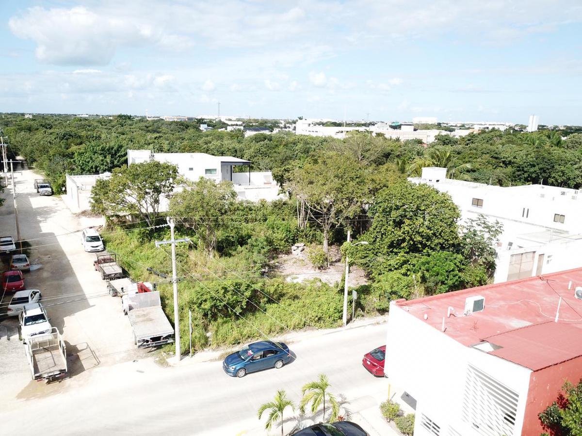 Foto Terreno en Venta en  Supermanzana 313,  Cancún  Terreno en venta Avenida Fonatur, Cancun