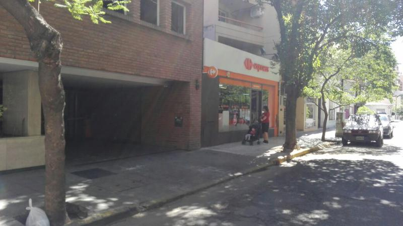 Foto Cochera en Venta en  Nueva Cordoba,  Capital  Nueva Córdoba chile 185