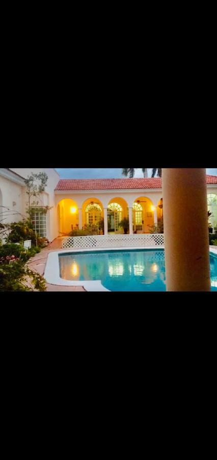 Foto Departamento en Renta en  Montes de Ame,  Mérida  Depto. de 2 habs. amueblado con piscina en Montes de Amé.