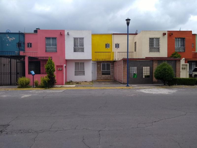 Foto Casa en condominio en Venta en  Los Cedros 400,  Lerma  CASA 3 RECAMARAS EN VENTA FRACC. CEDROS 4000 LERMA