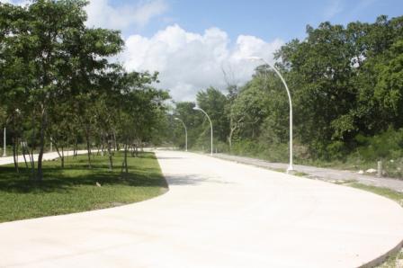 Foto Terreno en Venta en  Solidaridad ,  Quintana Roo  TERRENO EN VENTA EN PLAYA DEL CARMEN EL CIELO ENTRADA DE PLAYA DEL C.